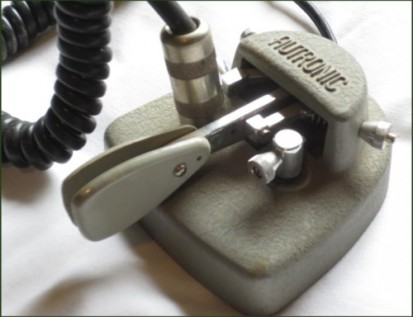 Closeup of Autronic Key, plug jammed into missing contact post